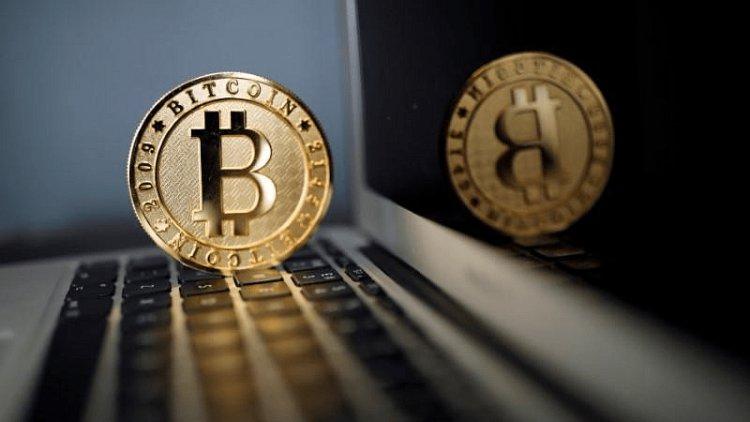 Bitcoin का क्रिप्टो मार्केट में घटा कद, तेजी से आ रहीं नई करेंसी
